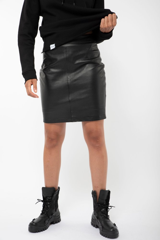 Savanna Leather Skirt Black